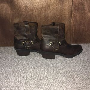Cabela's Size 9 Harness Boots